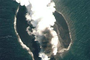 15-05-26-volcano.jpg
