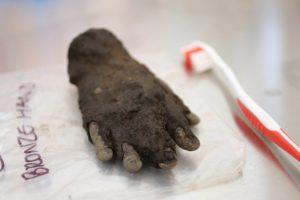Bronzehand