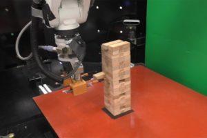 Roboter beim Jenga