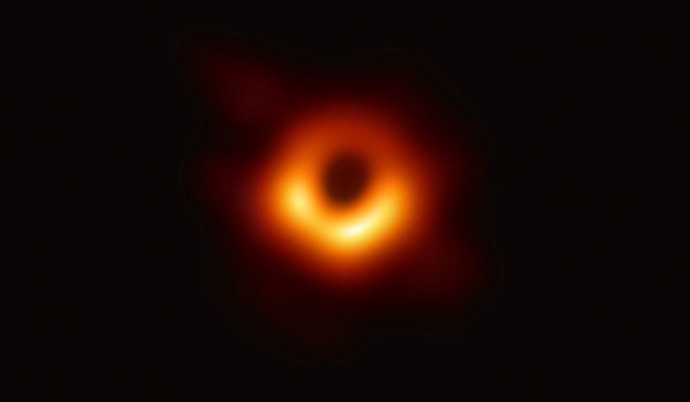 Erstes Foto Eines Schwarzen Lochs