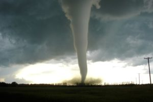 F5_tornado_Elie_Manitoba_2007_M.jpg