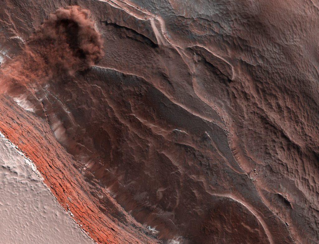 Satellitenaufnahme einer Marslawine