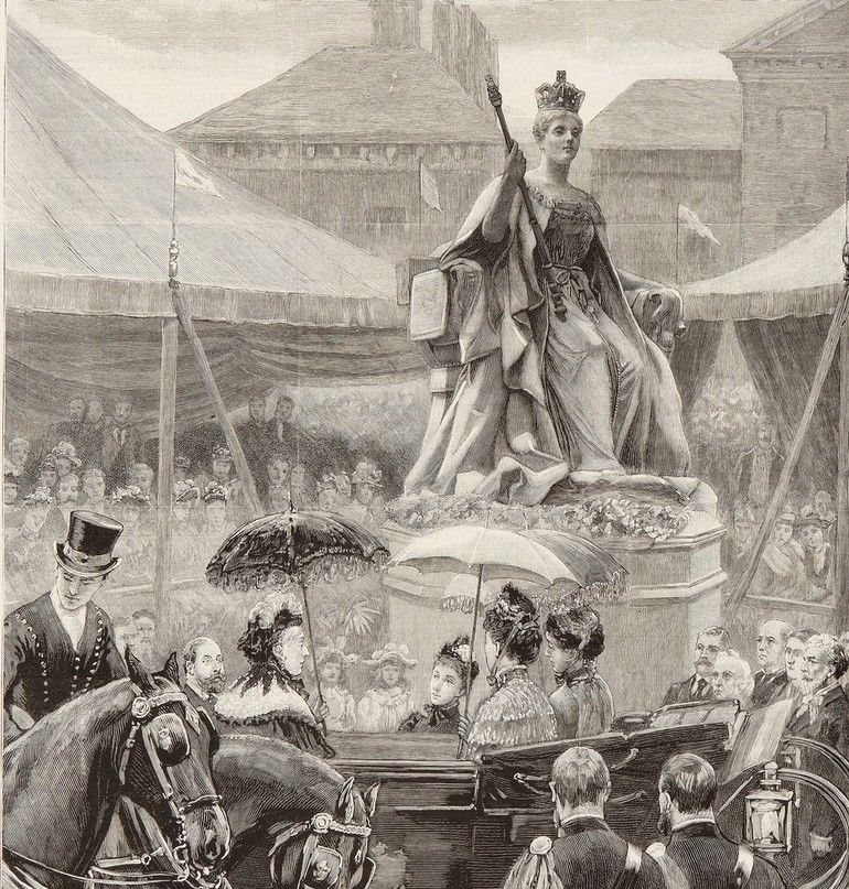 2966619_Queen_Victoria_at_the_unveiling_of_a_statue_(wood_engraving)_by_English_School,_(19th_century);_Kensington_Palace,_London,_UK;_(add.info.:_Queen_Victoria_at_the_unveiling_of_HRH_Princess_Louise\'s_statue_of_Her_Majesty_in_Kensington_Gardens,_erect