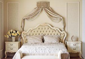 Stilmöbel in Schlafzimmer