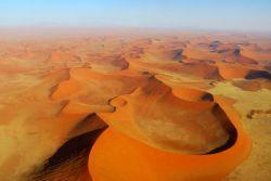 Namib-©-laurenthuet---Fotolia.com250.jpg