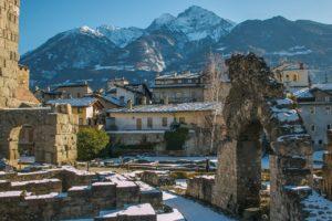 Ruinen des römischen Theaters von Aosta