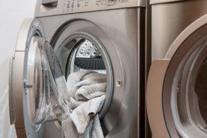 Geöffnete Waschmaschine